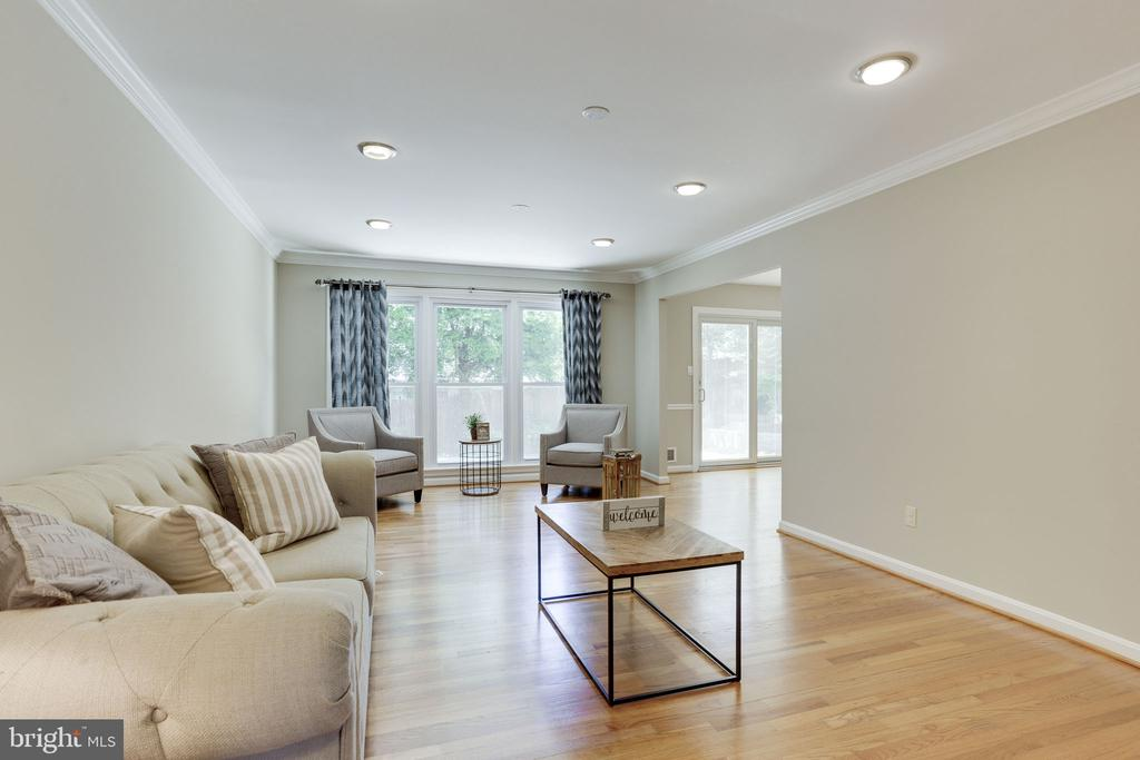 Living Room with Wood Floors - 1906 GREAT FALLS ST, MCLEAN