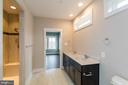 Luxury master bath with oversized shower - 6823 W SHAVANO, NEW MARKET
