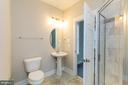 Full main level bathroom - 6823 W SHAVANO, NEW MARKET