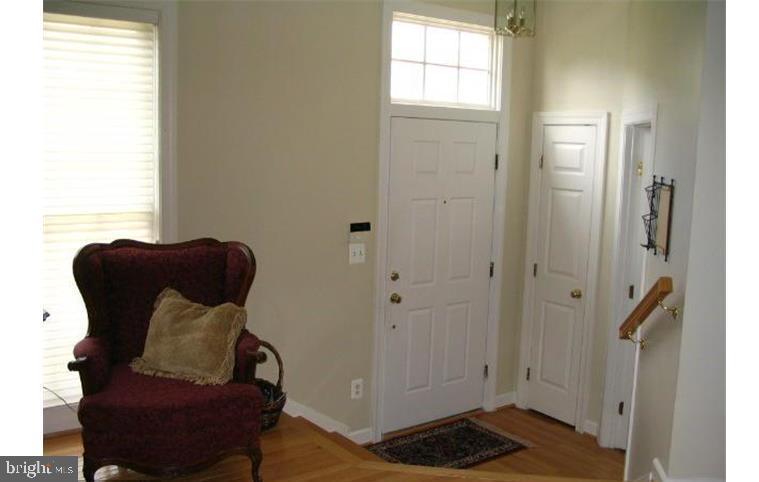 MMK Realty LLC Entry with Transom window, hardwood - 6659 DEBRA LU WAY, SPRINGFIELD