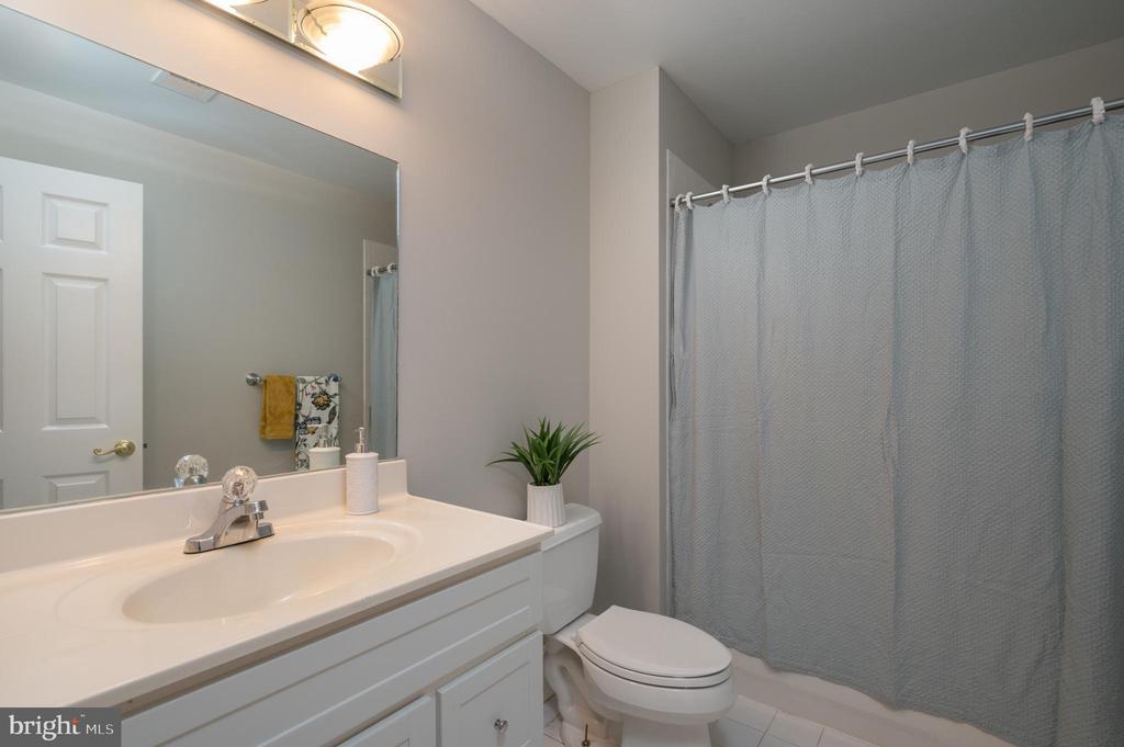 Full Bath in Lower Level - 3601 SURREY DR, ALEXANDRIA