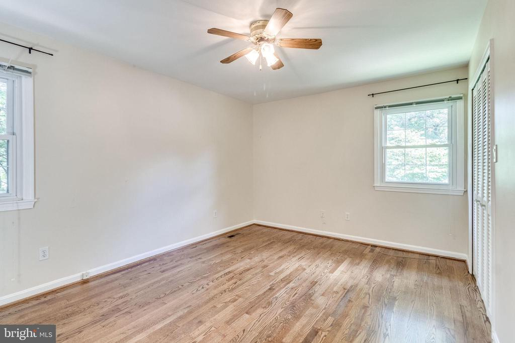 Master bedroom - 4702 DECLARATION CT, ANNANDALE