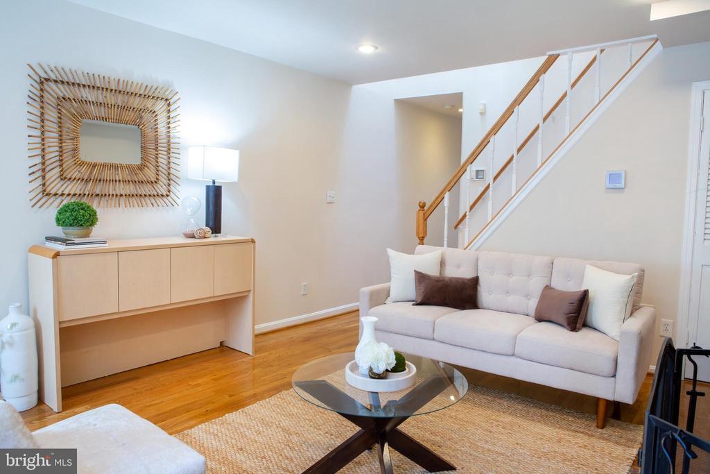 Living Room Southwest - 726 6TH ST NE, WASHINGTON