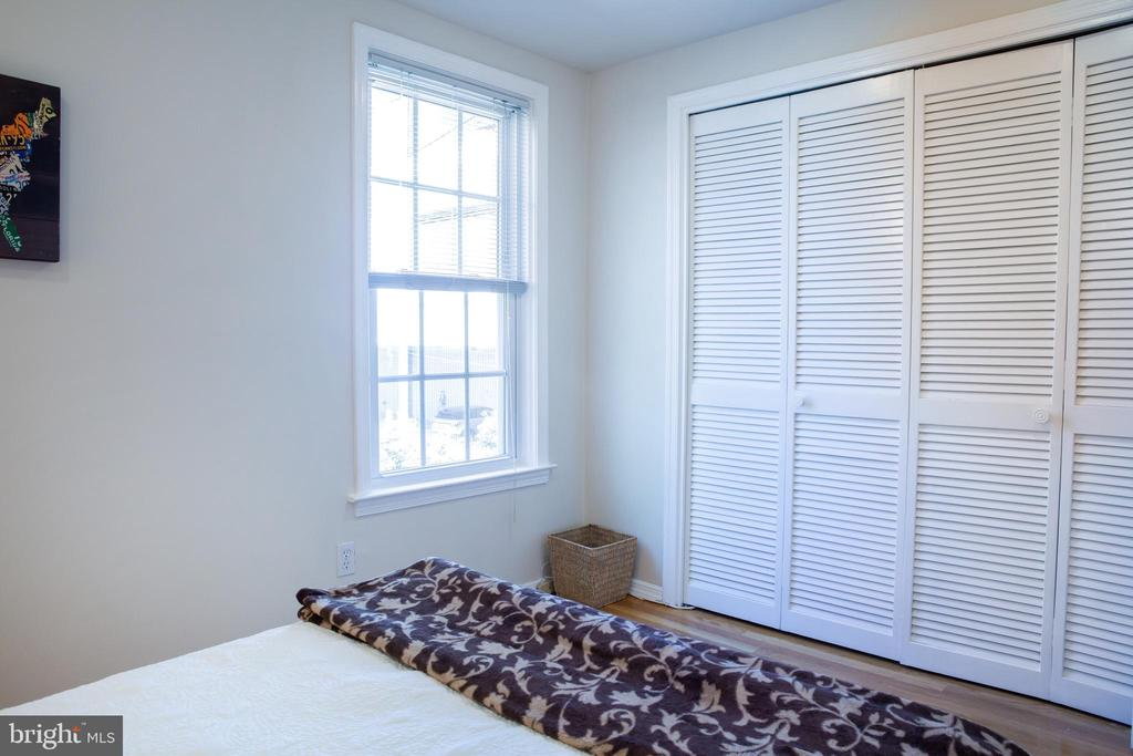 Rear Bedroom Northwest - 726 6TH ST NE, WASHINGTON