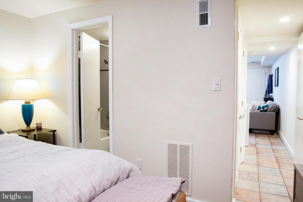 Lower Unit Bedroom Northeast - 726 6TH ST NE, WASHINGTON