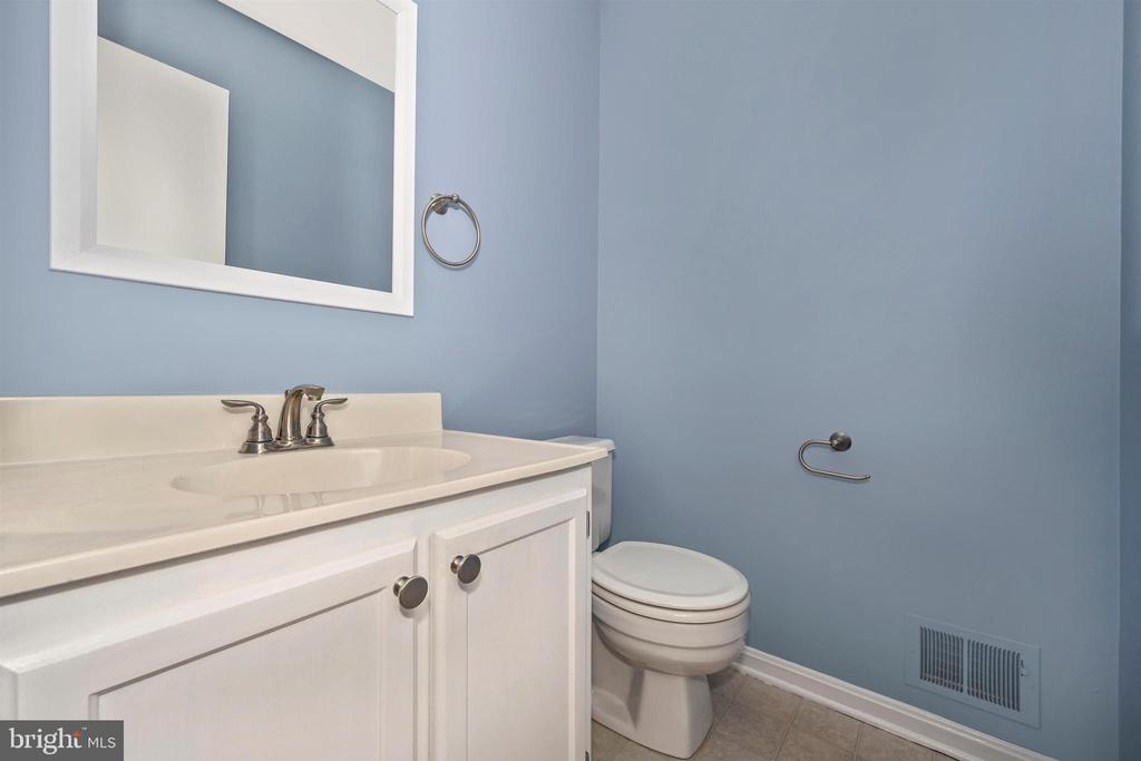 First floor Powder Room - 2818 ASHMONT TER, SILVER SPRING
