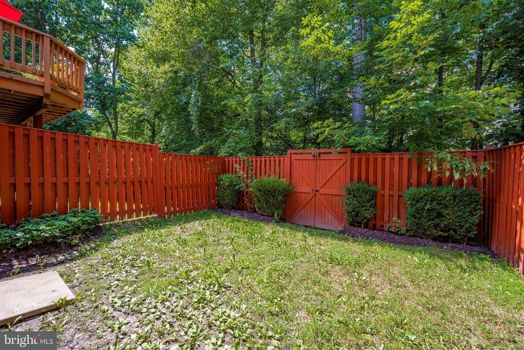 Fenced Backyard  backing to TREES!! - 2818 ASHMONT TER, SILVER SPRING