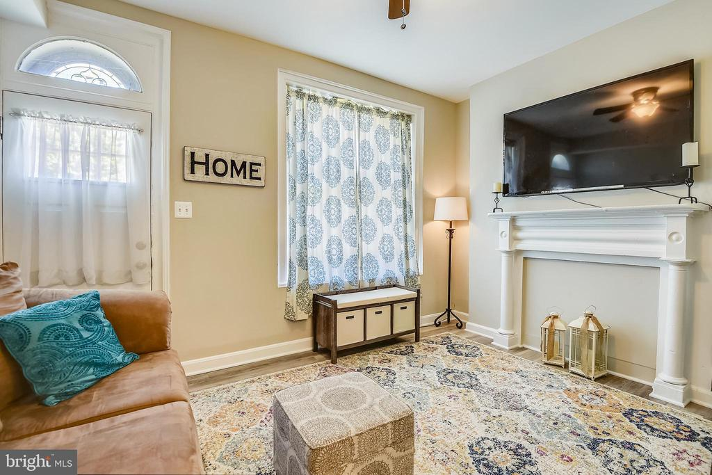 Old charm maintained throughout the home! - 432 W SOUTH ST, FREDERICK