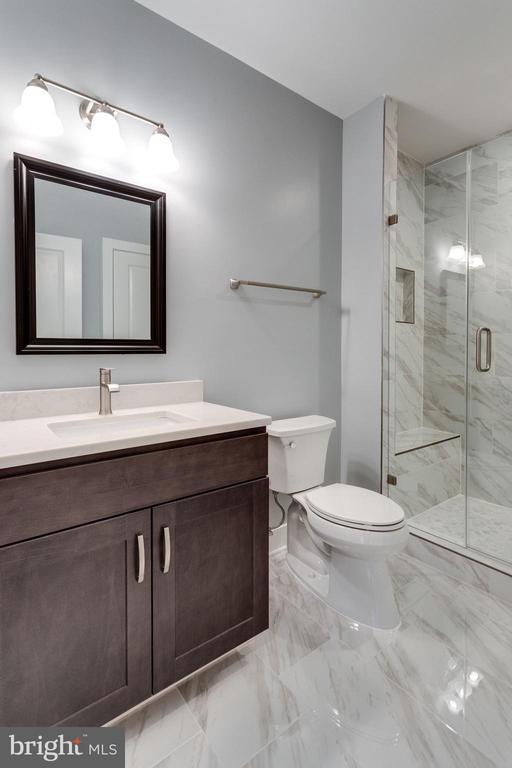 Guest Full Bathroom - 7411 NIGH RD, FALLS CHURCH