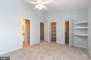 Lot of closets in Master Bedroom - 213 SAINT JOHNS SQ, STERLING