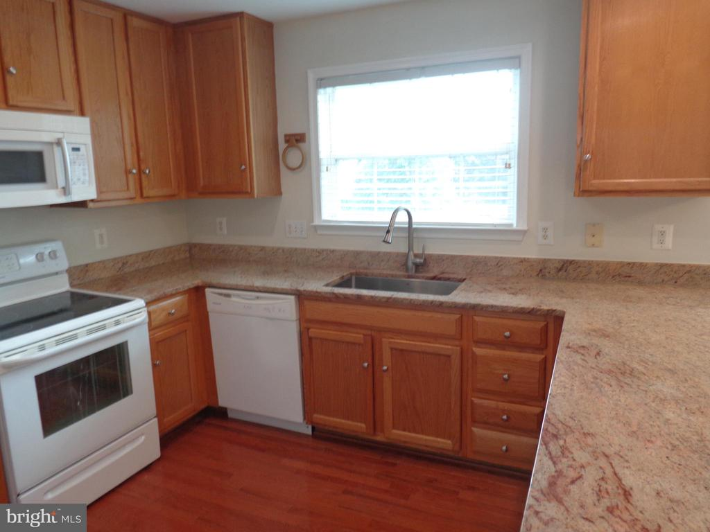 Kitchen-New Marble Countertop - 103 ENGLISH CT SW, LEESBURG