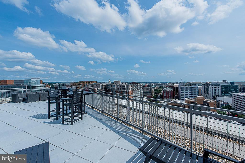 Lots of space for family and friends - 555 MASSACHUSETTS AVE NW #202, WASHINGTON