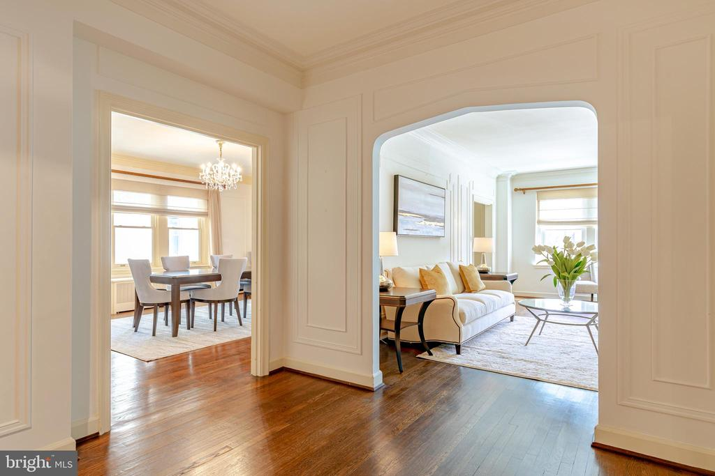 View from gallery of living room and dining room - 2101 CONNECTICUT AVE NW #44, WASHINGTON