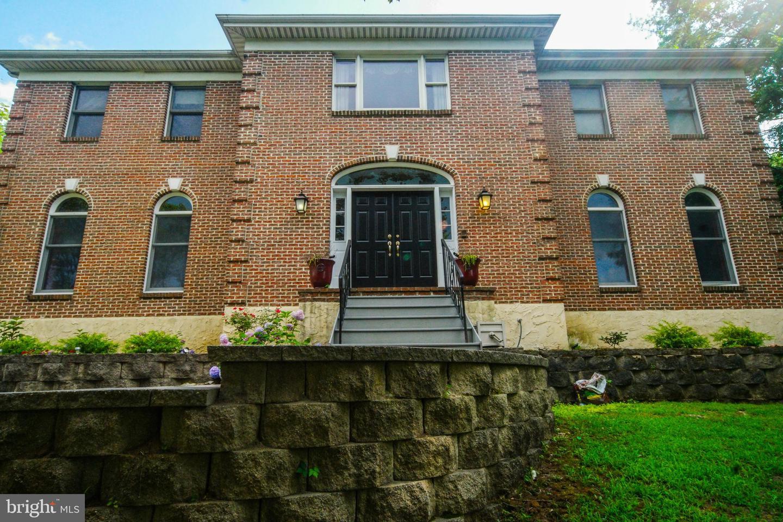 Single Family Homes للـ Sale في Broomall, Pennsylvania 19008 United States