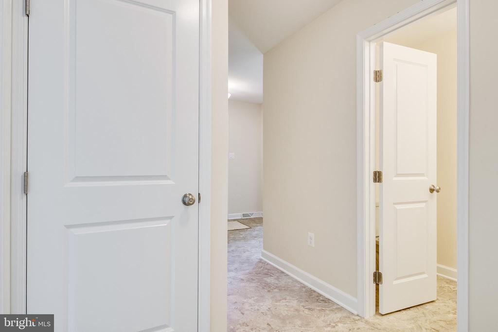 Powder Room in Front Hall - 4915 KING SOLOMON DR, ANNANDALE