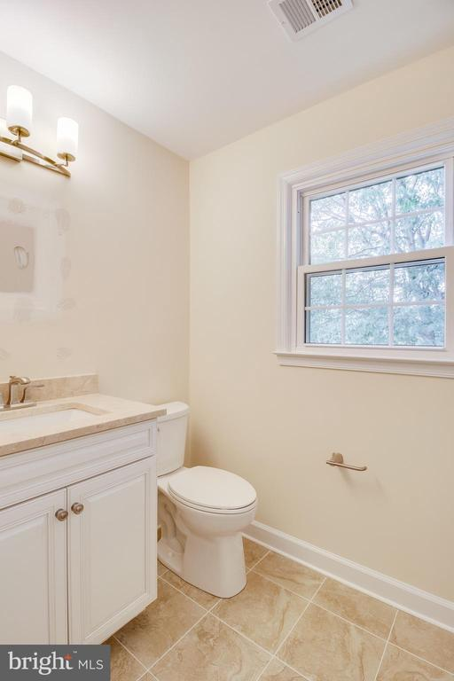 Owner Bath - Mirror and Medicine Cabinet Due - 4915 KING SOLOMON DR, ANNANDALE