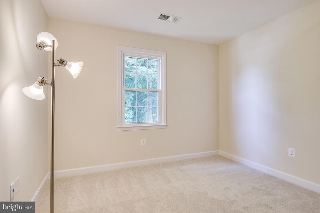 Bedroom #1 to the Right - Back of the House - 4915 KING SOLOMON DR, ANNANDALE