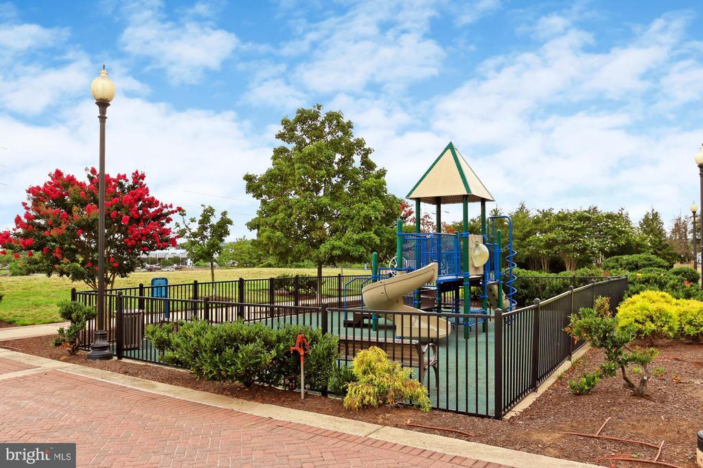 Playground in Short Bridge Park - 3650 S GLEBE RD #238, ARLINGTON