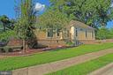 - 4011 WOODLAND RD, ANNANDALE