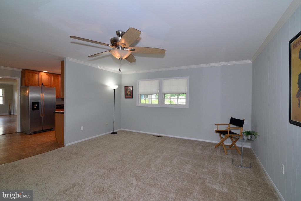 Family room - 4224 MAYLOCK LN, FAIRFAX