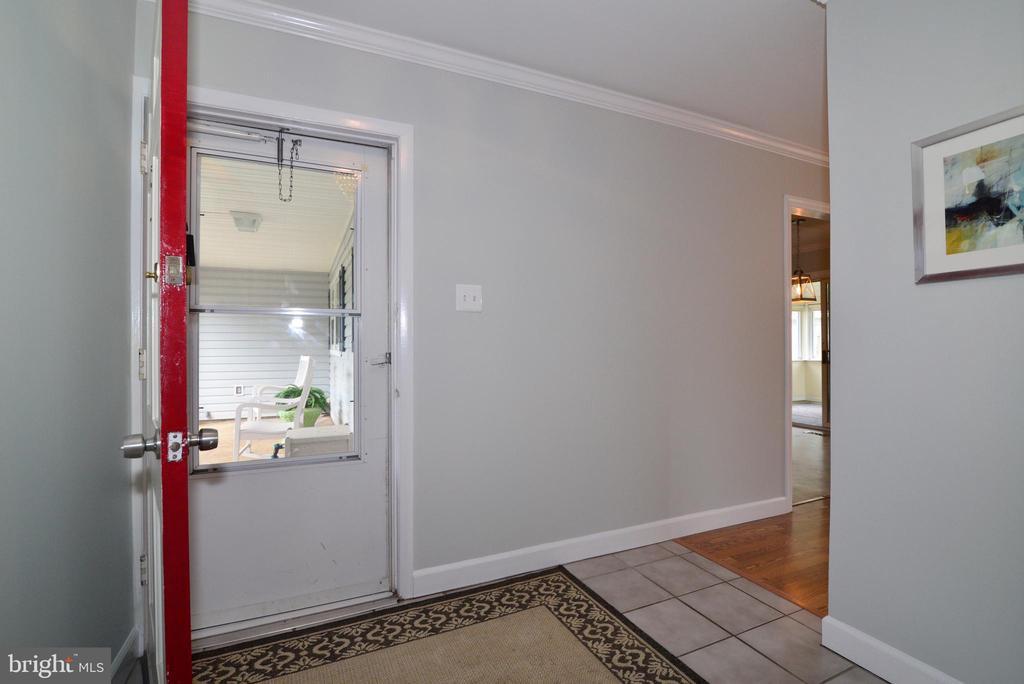 Foyer - 4224 MAYLOCK LN, FAIRFAX