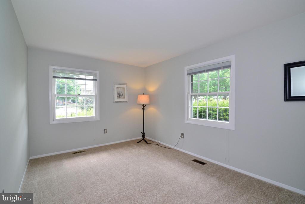 2nd bedroom - 4224 MAYLOCK LN, FAIRFAX