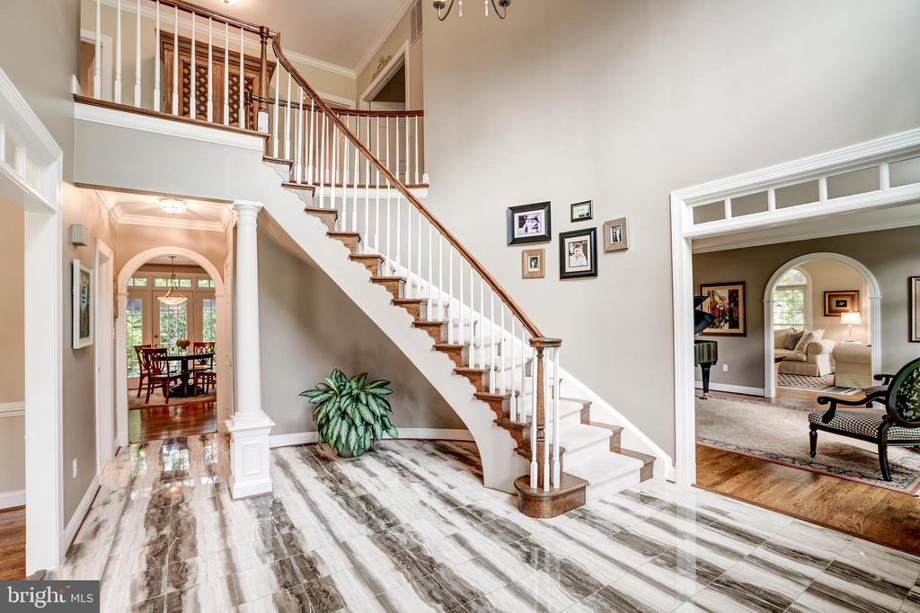 Marble floor foyer - 9318 LUDGATE DR, ALEXANDRIA