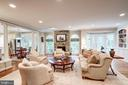 Wonderful family room - 9318 LUDGATE DR, ALEXANDRIA
