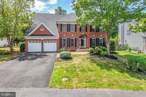 Front of house from Cul-de-sac - 6420 GUARD MOUNT CT, CENTREVILLE