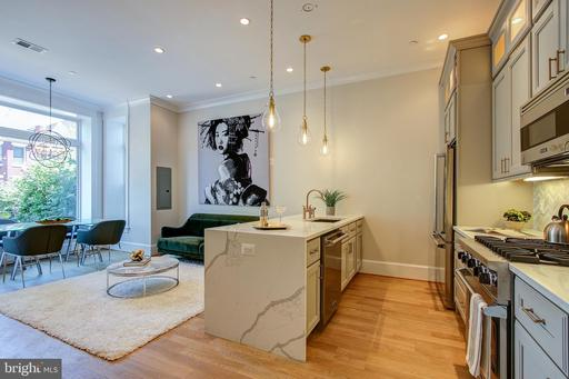 408 M ST NW #2