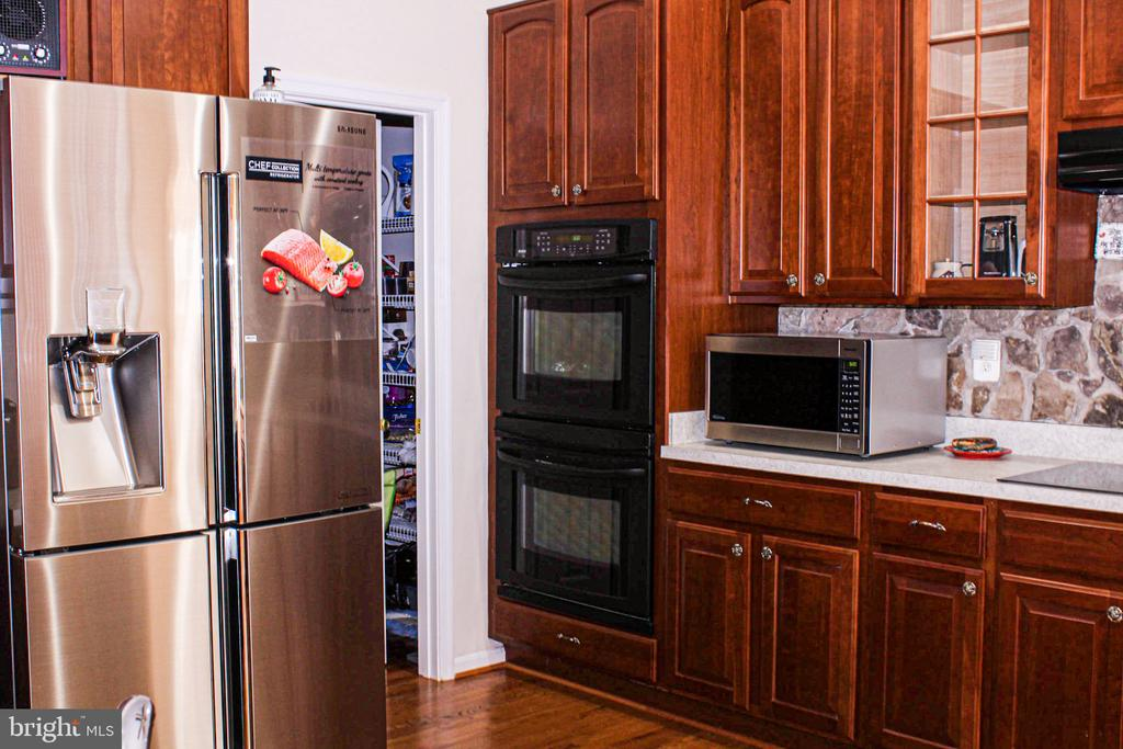 double oven and cooktop - 3220 LACROSSE CT, DUNKIRK