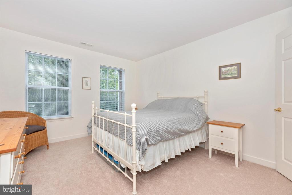 Fourth upper level bedroom. - 5835 RIVER OAKS CT, FREDERICK