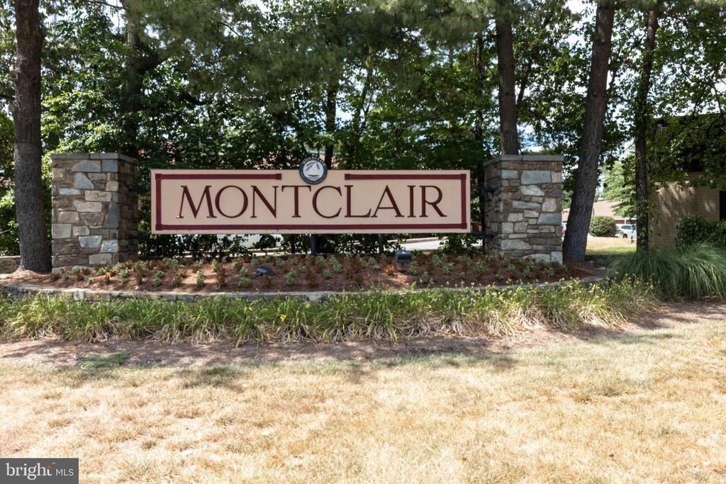 Montclair! - 15138 HOLLEYSIDE DR, DUMFRIES