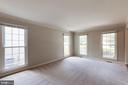 Living room, tons of light! - 15138 HOLLEYSIDE DR, DUMFRIES