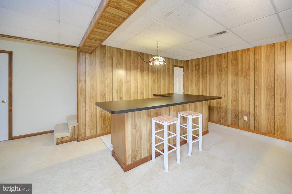 Built in Bar! - 109 INDIAN HILLS RD, LOCUST GROVE
