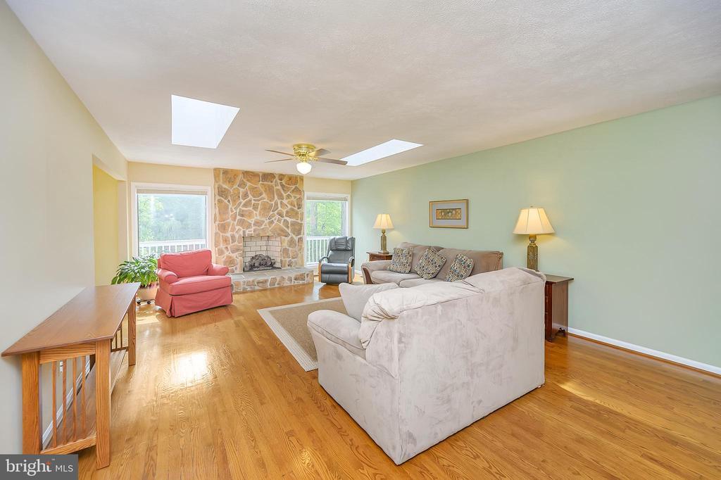 Beautiful hardwood floors! - 109 INDIAN HILLS RD, LOCUST GROVE