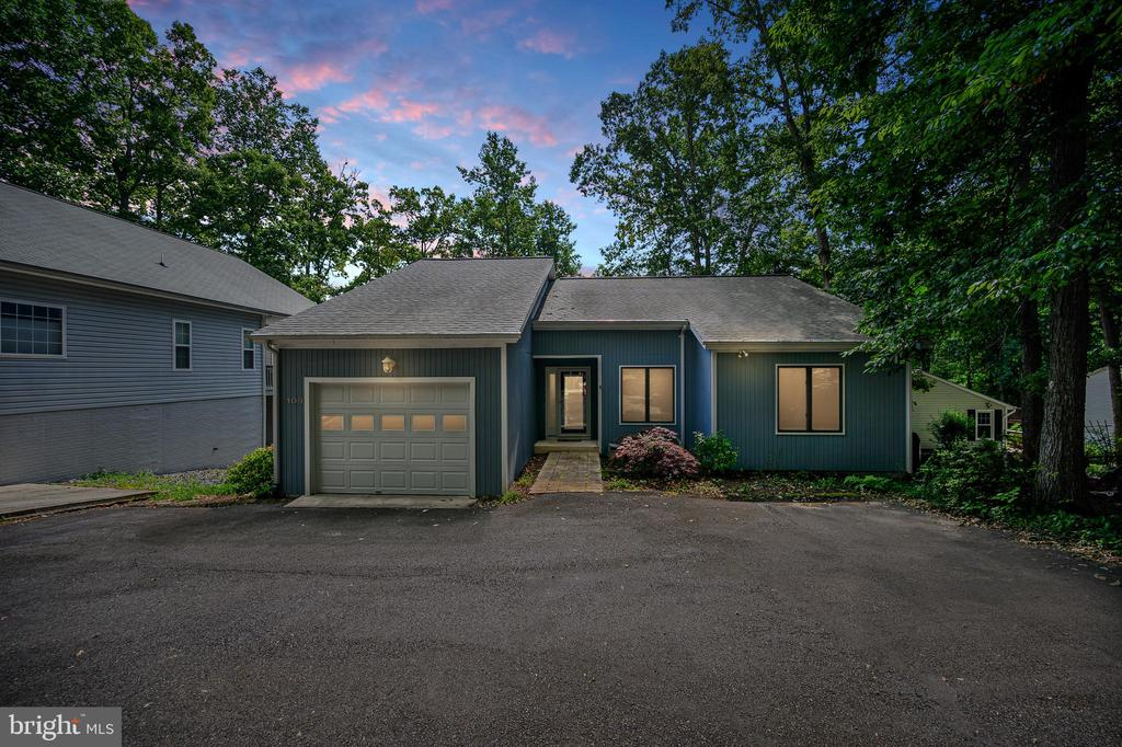 The House at Dusk - make this your new Lake Home! - 109 INDIAN HILLS RD, LOCUST GROVE
