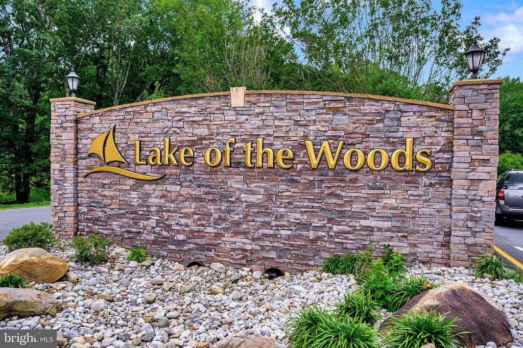 Welcome to Lake of the Woods! - 109 INDIAN HILLS RD, LOCUST GROVE