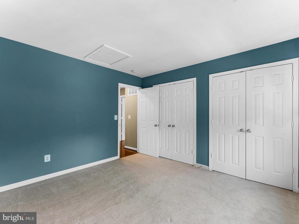 4th bedroom - double closets - 358 SUGARLAND MEADOW DR, HERNDON