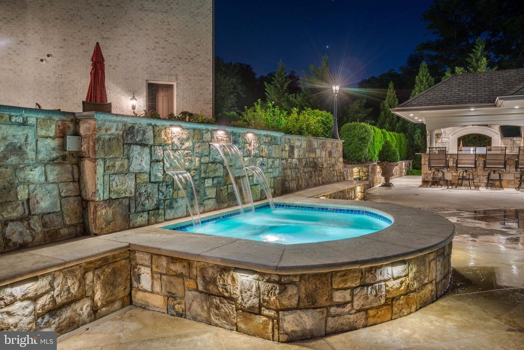 Stunning Hardscape Lighting - 8334 ALVORD ST, MCLEAN