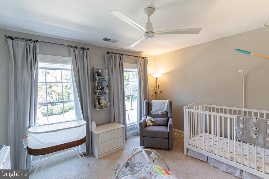 Second bedroom, second floor - 1011 N KENSINGTON ST, ARLINGTON