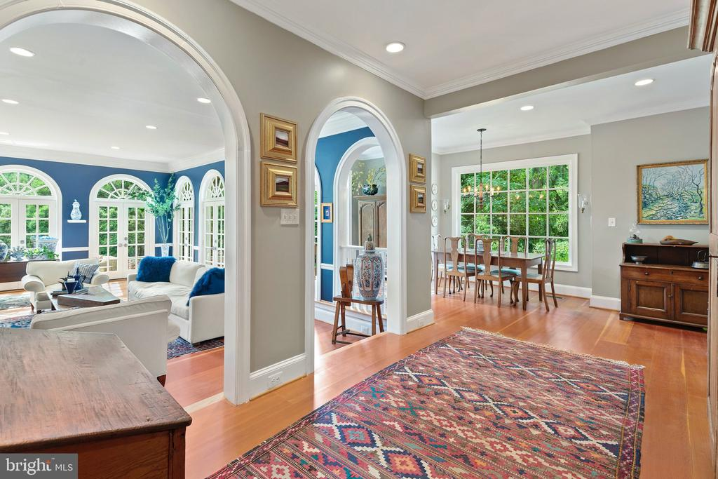 Gallery off of the great room - 230 MASONS LN SE, LEESBURG