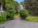 Walkway to guest house - 230 MASONS LN SE, LEESBURG
