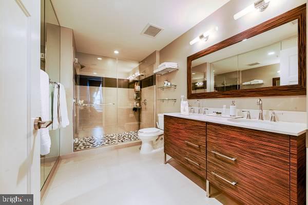 Master Bathroom - 1700-D CLARENDON BLVD #141, ARLINGTON