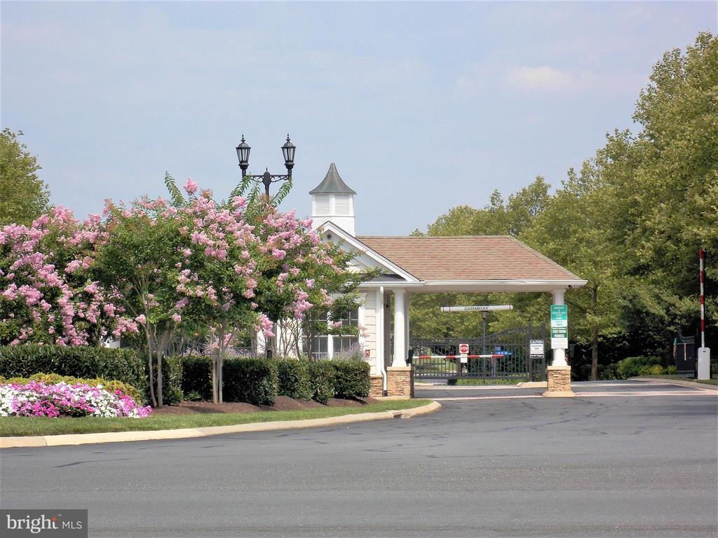 Entrance Gate to Potomac Green Community - 44315 STABLEFORD SQ, ASHBURN