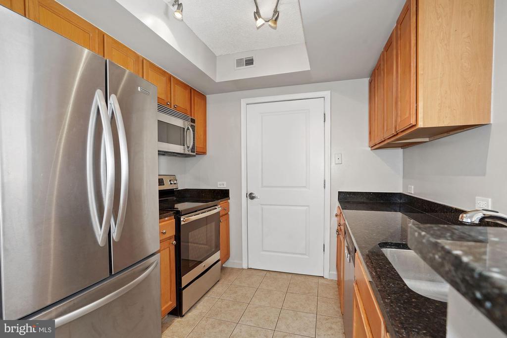 Gourmet Kitchen with Stainless Steel Appliances - 880 N POLLARD ST #701, ARLINGTON