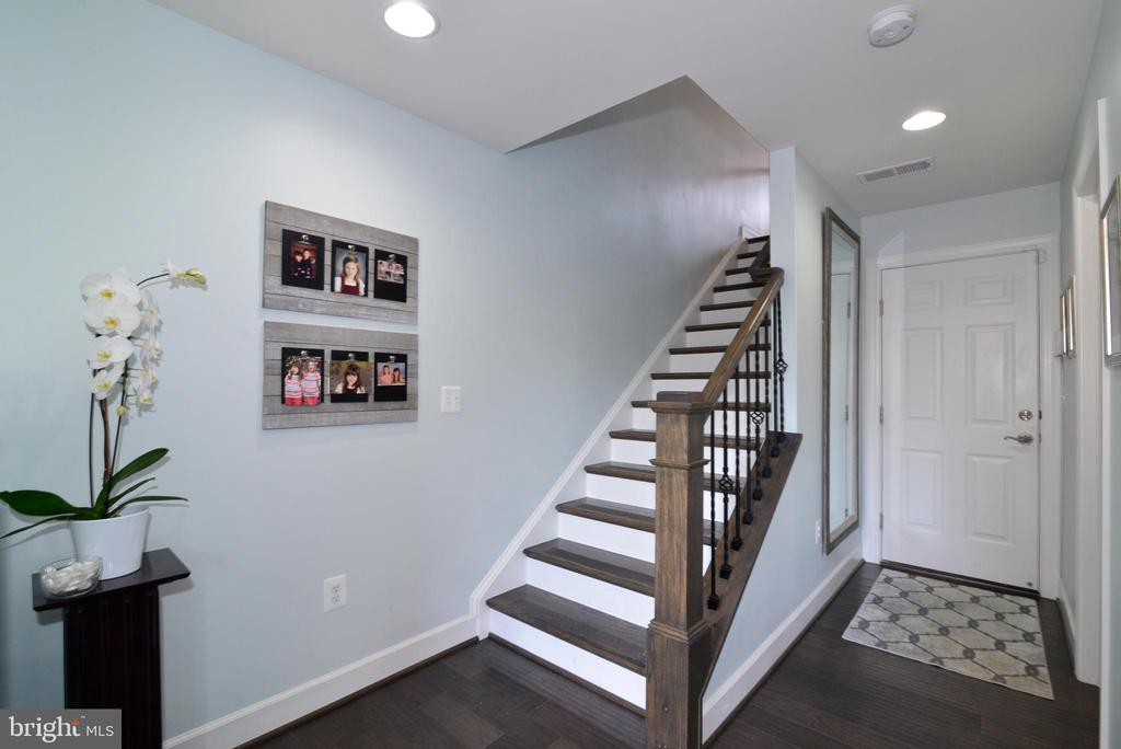Stairs to main level - 6157 CAREY PARK LN, FALLS CHURCH