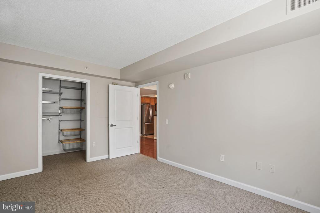 Second Bedroom with Fresh Paint - 880 N POLLARD ST #701, ARLINGTON
