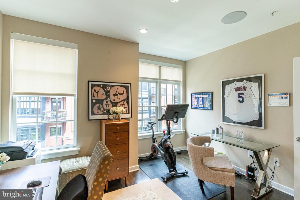 View into second bedroom space - 1610 N QUEEN ST #245, ARLINGTON