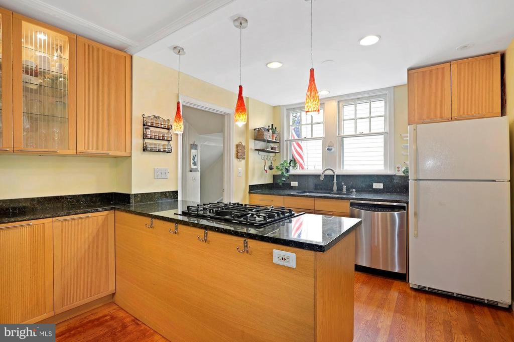 Kitchen - 1309 N GLEBE RD, ARLINGTON